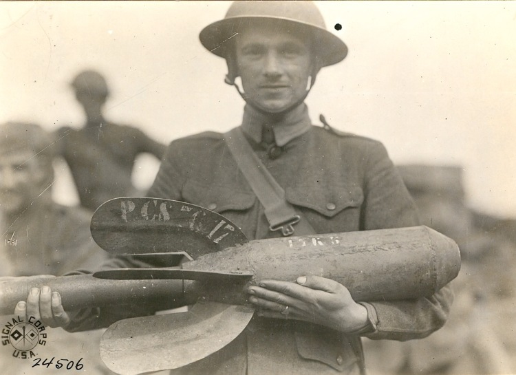 US soldier with mortar shell