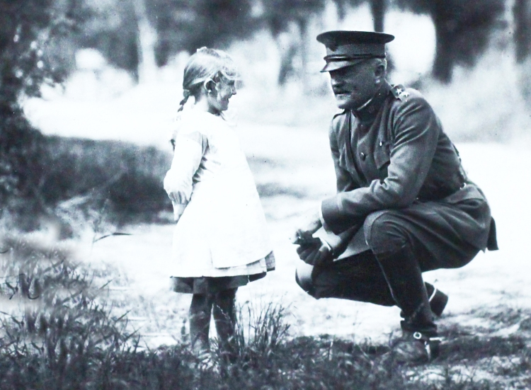 Pershing little girl2
