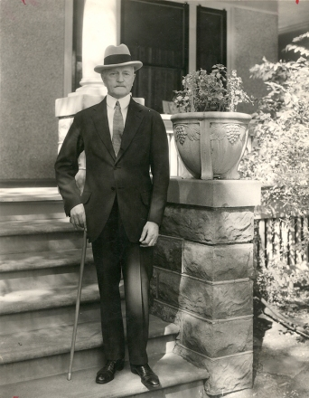 Pershing 71 b-day sept 13 1931 Lincoln B Street home sm