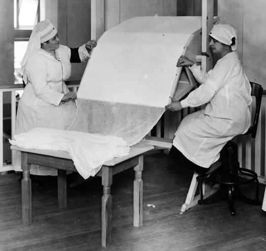 Red Cross Gauze Roller Omaha 1917-18