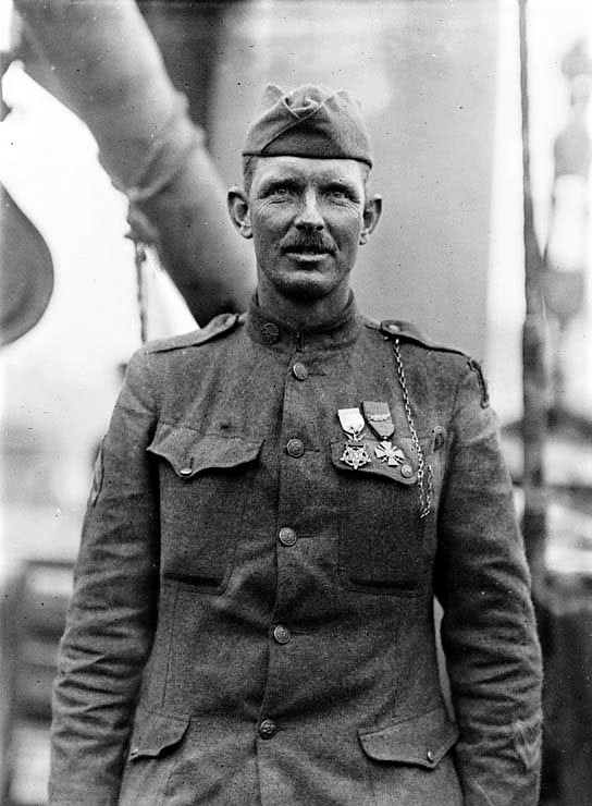 Alvin_York_on_USS_Ohioan (2)