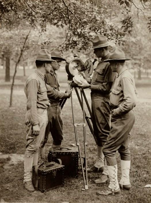 Signal Corps165-ww-103-00d-004-s