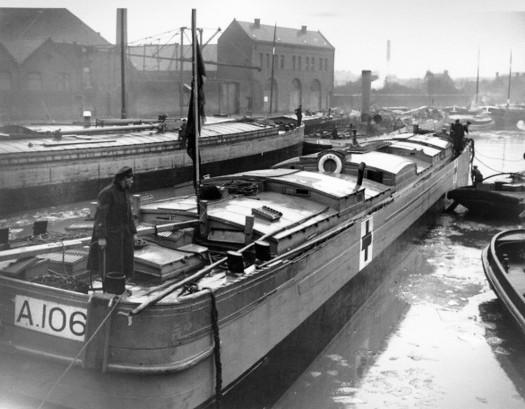 1a bayon barge 2