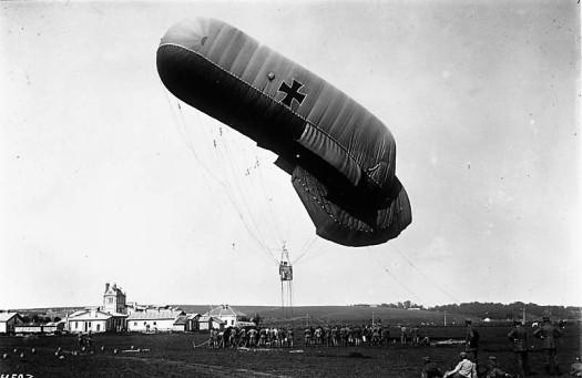 Westfront, Aufsteigender Fesselballon.