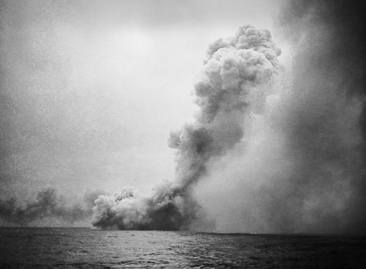 Fronts 1024px-Destruction_of_HMS_Queen_Mary